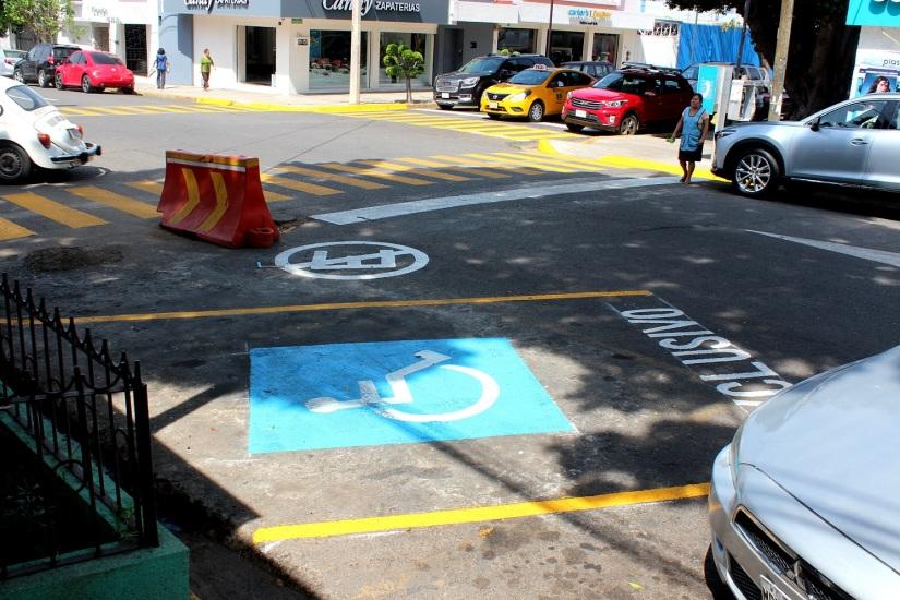 2-inauguración-de-cajones-para-estacionamiento